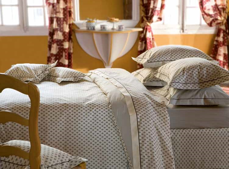 aix en provence ivory satin bettw sche. Black Bedroom Furniture Sets. Home Design Ideas