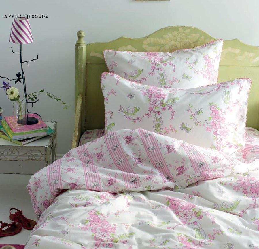 designers guild apple blossom bettw sche. Black Bedroom Furniture Sets. Home Design Ideas