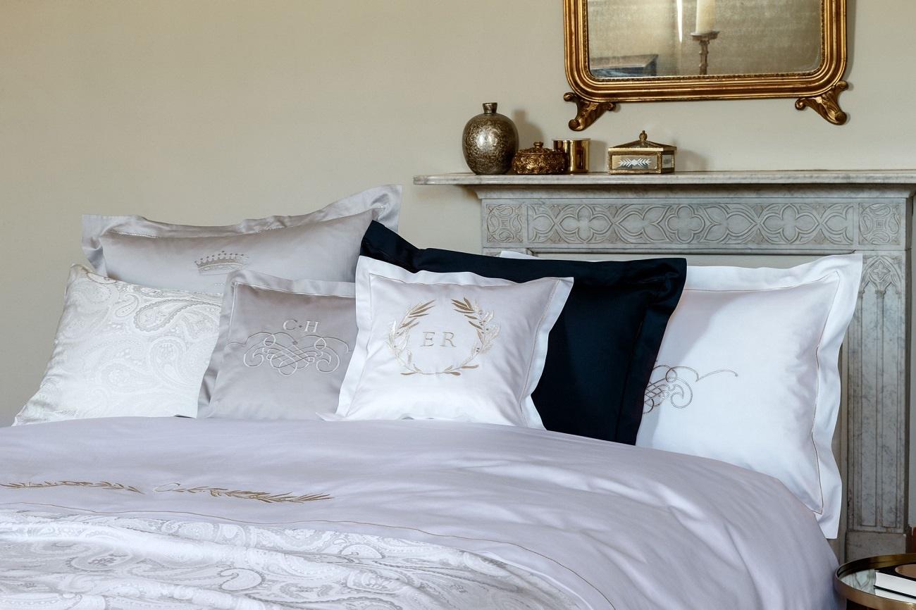 crown satin bettw sche. Black Bedroom Furniture Sets. Home Design Ideas