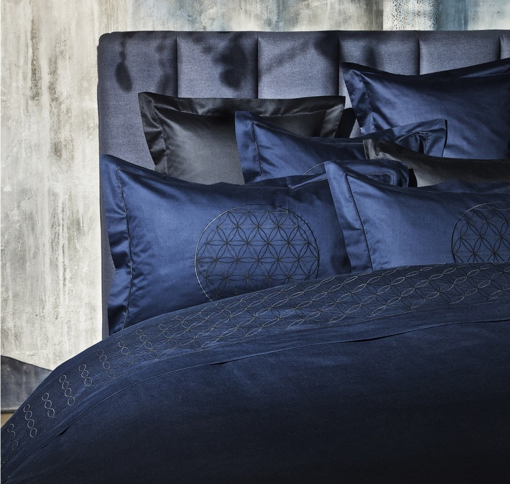 christian fischbacher eternal flower satin bettw sche. Black Bedroom Furniture Sets. Home Design Ideas