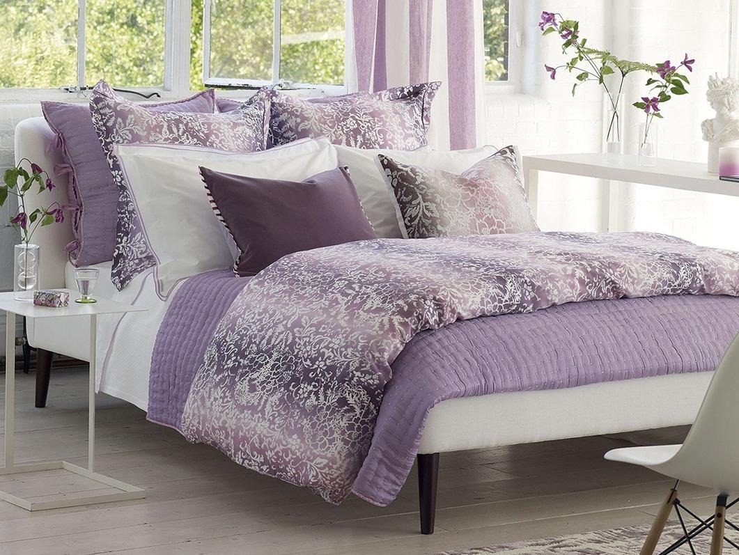 chenevard damson magenta bett berwurf. Black Bedroom Furniture Sets. Home Design Ideas