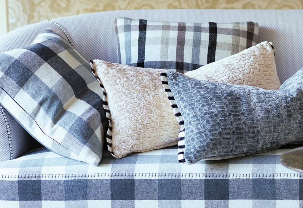 perreau chalk designers guild zierkissen. Black Bedroom Furniture Sets. Home Design Ideas